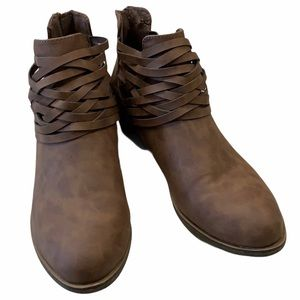 RAMPAGE STRAP ANKLE BOOTS BROWN SIZE  8.5